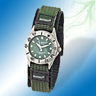 Cool Nylon Watchband Quartz Student's Watch