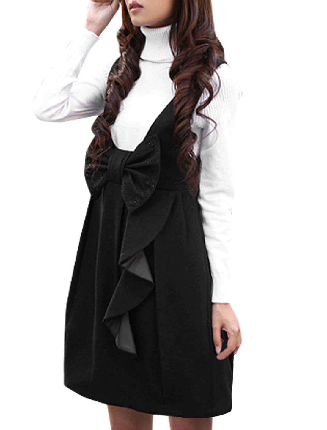 Woman Deep U Neck Bowknot Decor Pleated Suspender Dress Black XS