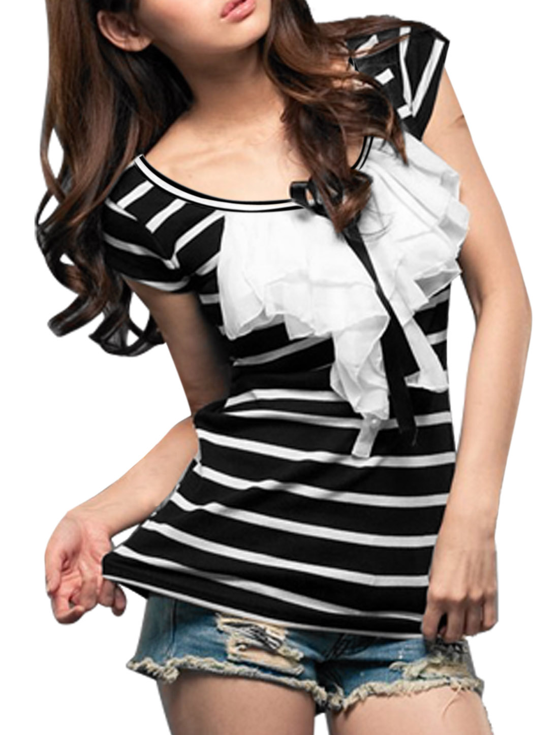 Woman Short Sleeve Stripes Flouncing Scoop Neck Shirt Black White S