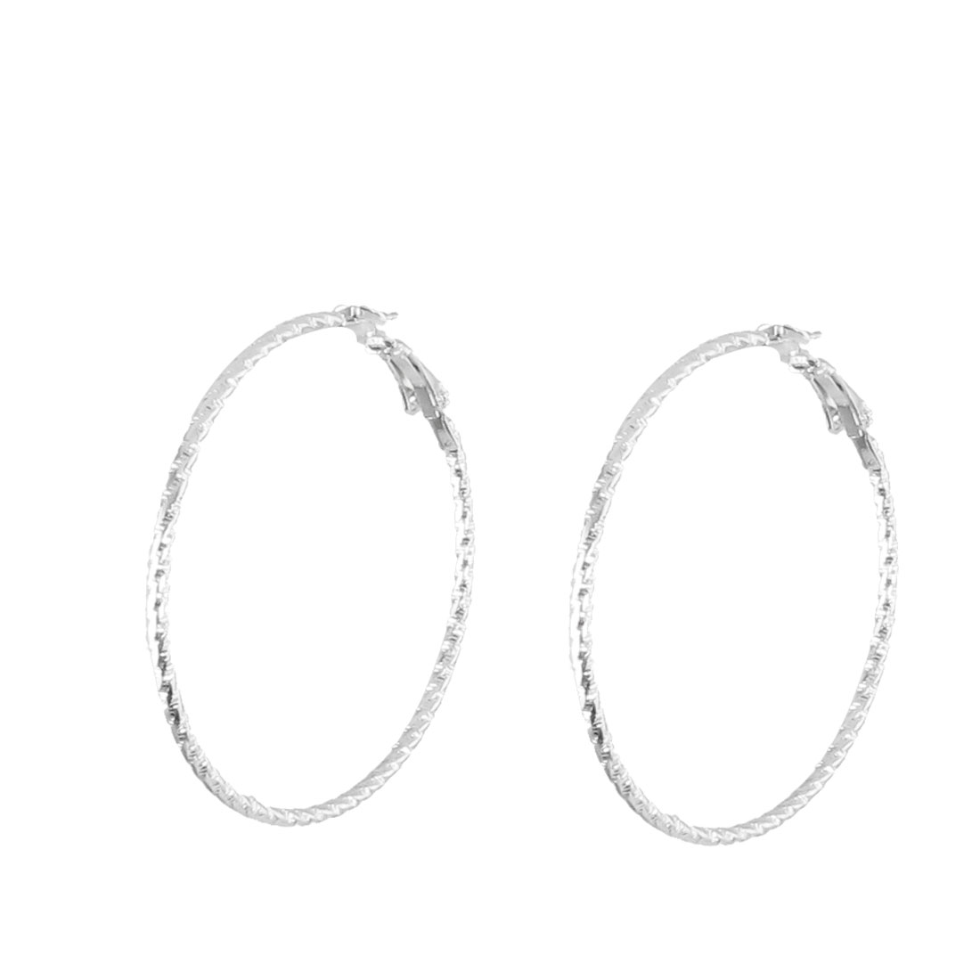 Women Pair Silver Tone Carved Accent Spring Hoop Earrings