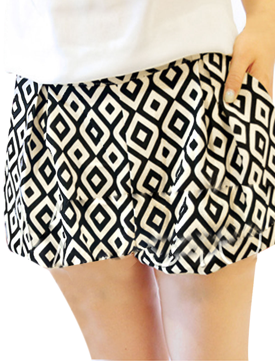 Women Off White Black Stretchy Waist Argyle Pattern Mini Shorts S