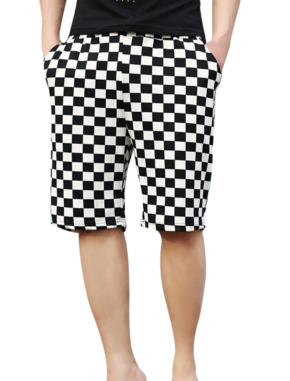Men Plaids Pattern Decor Elastic Waist Black White Shorts XS