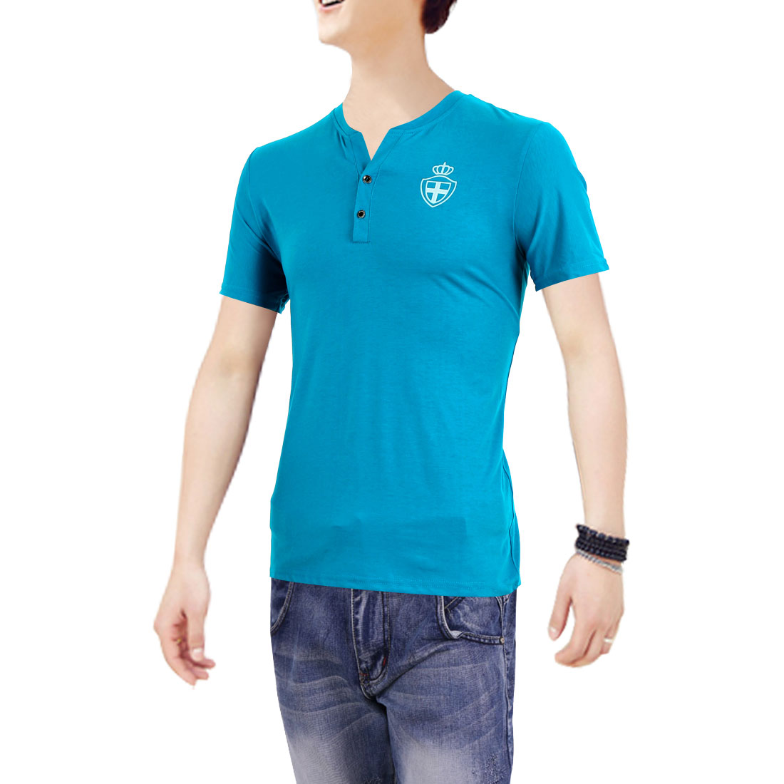 Men Pullover Short Sleeve Shield Detail Casual Shirt Turquoise M