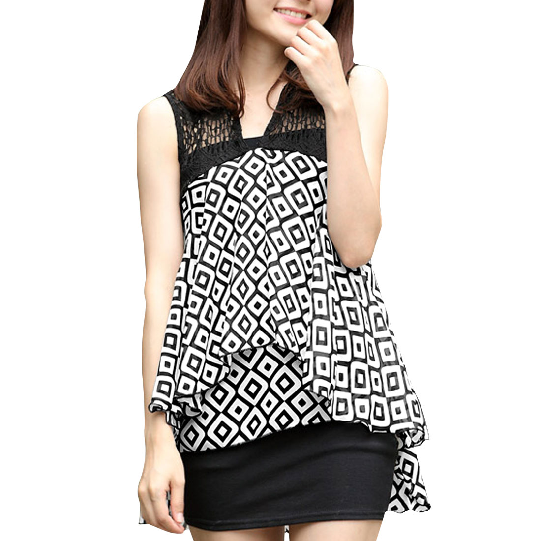 Women Chic Black White Geometric Pattern Irregular Hem Design Blouse XS