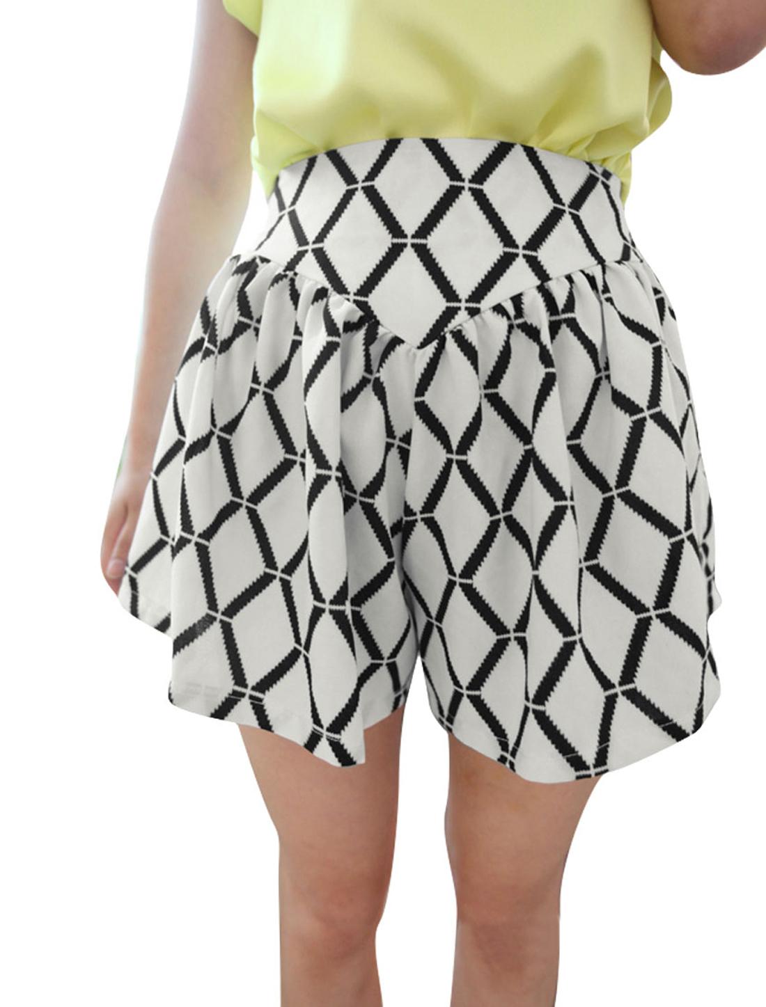 Women Concealed Zipper Color Block Argyle Pattern Shorts Black White S