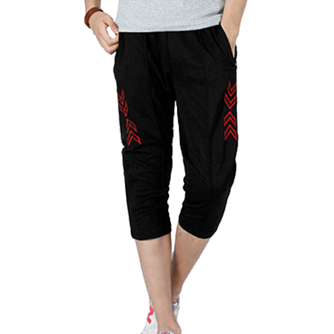 Men Pockets Front Embroidery Decor Capris Pants Red Black W33