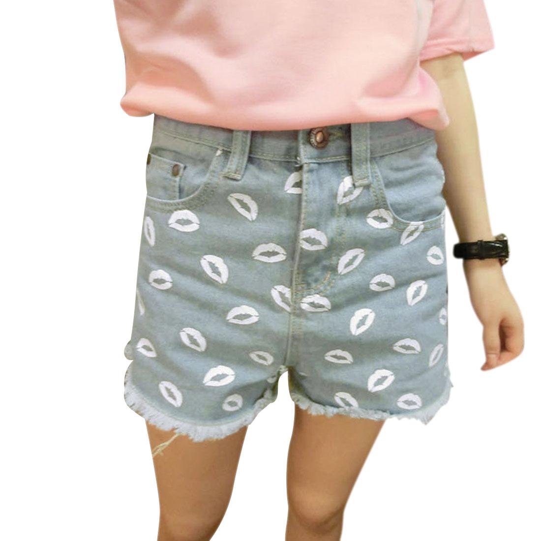 Lady Belt Loop Waist Hip Patch Pockets Lips Prints Light Blue Demin Shorts XS
