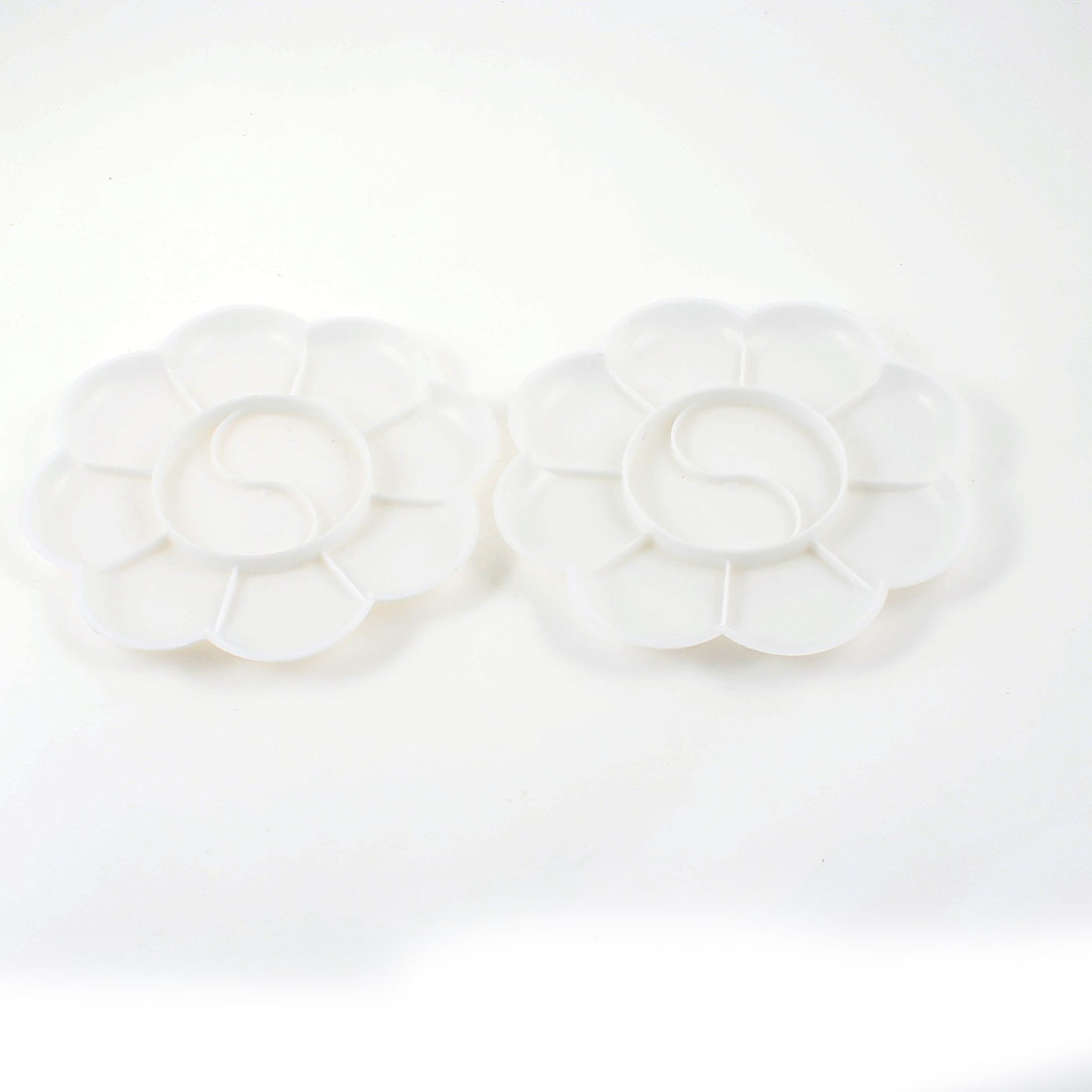 2 Pcs White Plastic Flower Shape Watercolor Paint Plate Tray Mixing Palette