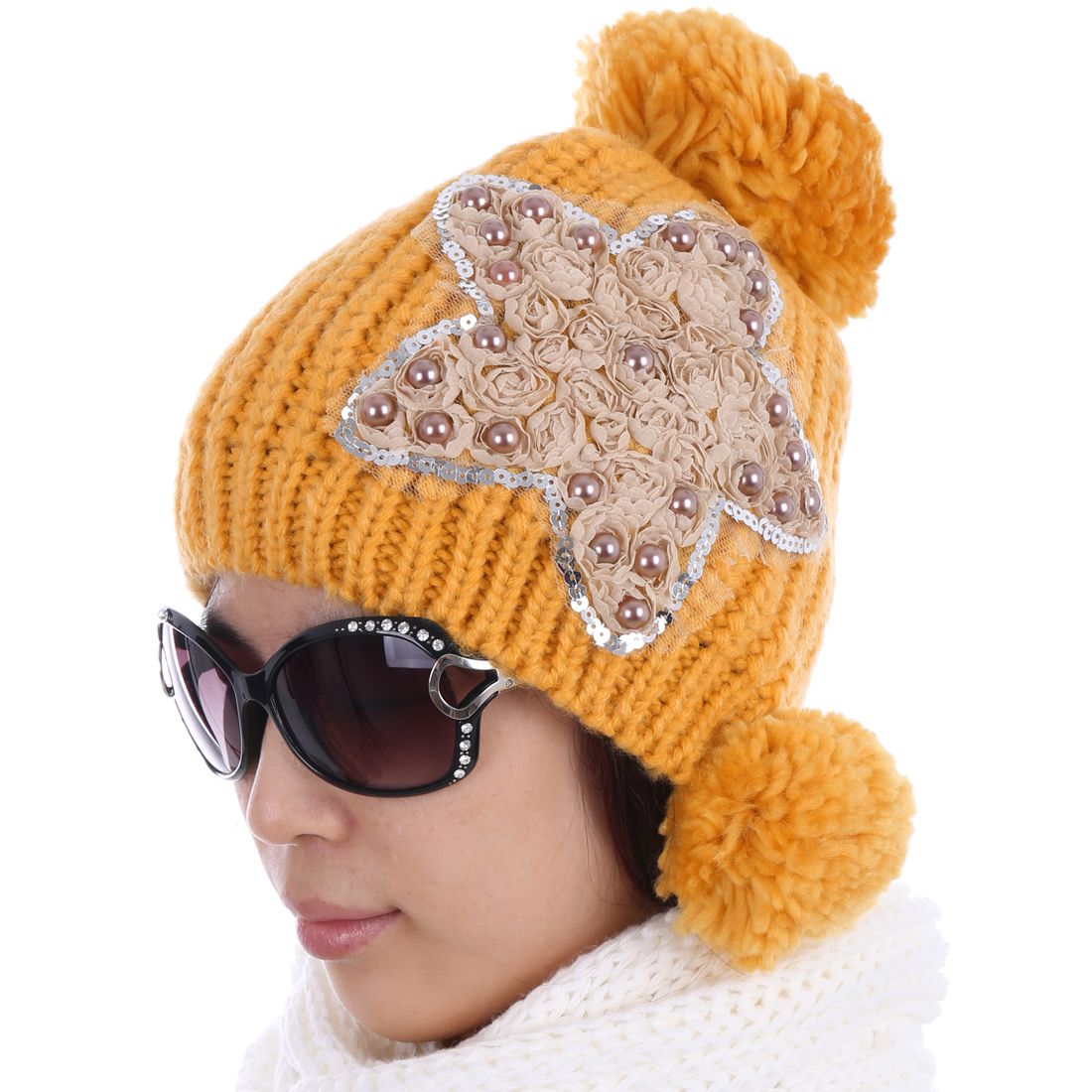 Women Pom Pom Winter Wearing Kintted Hat Yellow