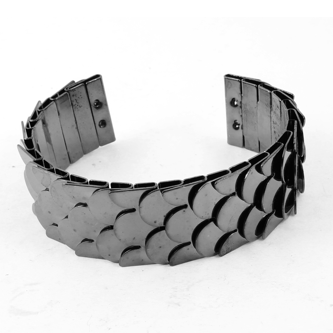 Black Metal Fish Scale Decor Wrist Bangle Bracelet for Women Girl