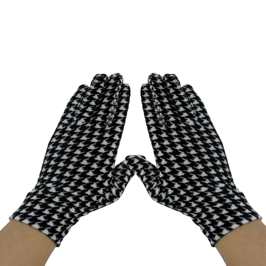 Ladies Pair Houndstooth Printed Full Fingers Warm Gloves Black White