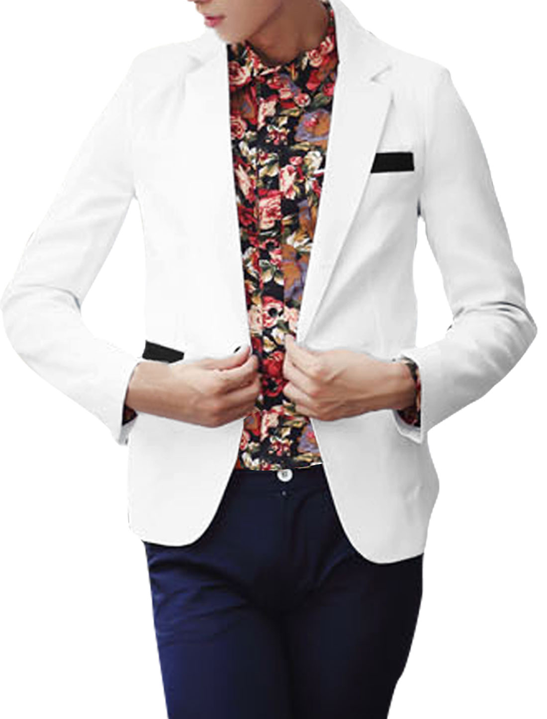 Man White Notched Lapel One Buttoned Long Sleeved Blzaer S