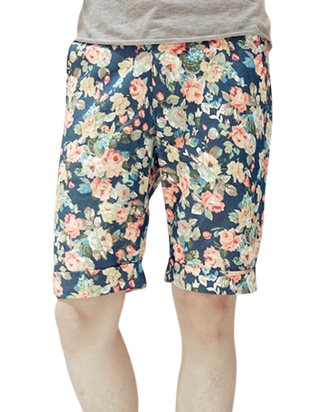 Men Floral Prints Two Slant Pockets Roll-Up Cuffs Shorts Multi-color W28