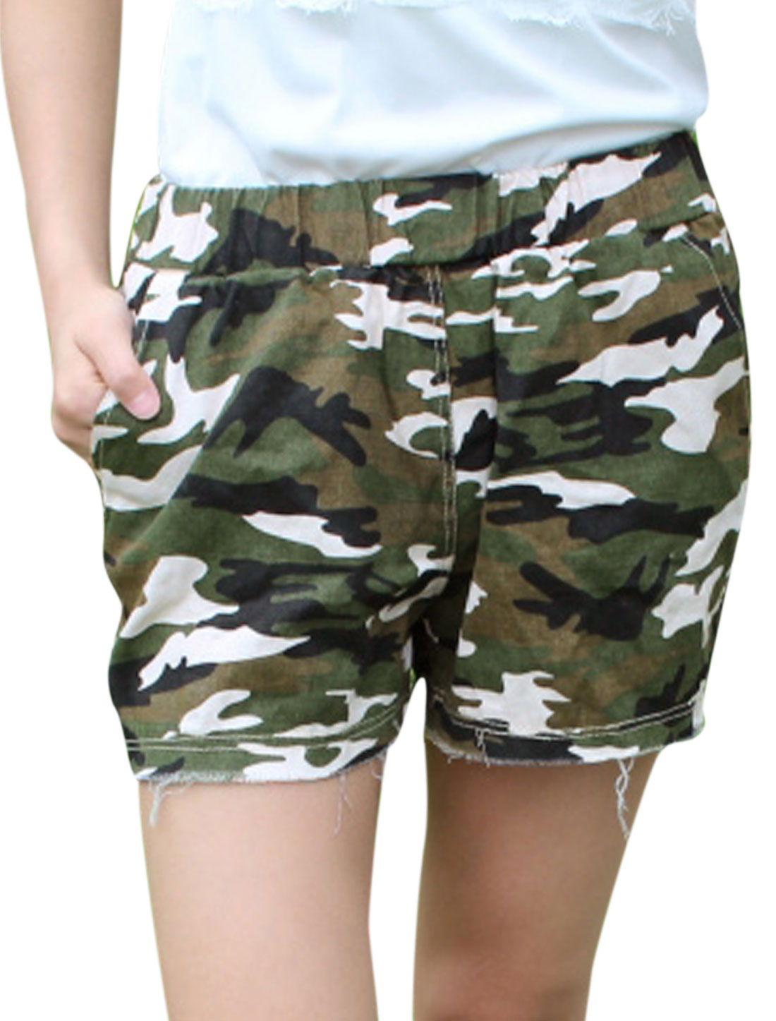 Women Pockets Front Destroyed Hem Chic Shorts Black Army Green XS