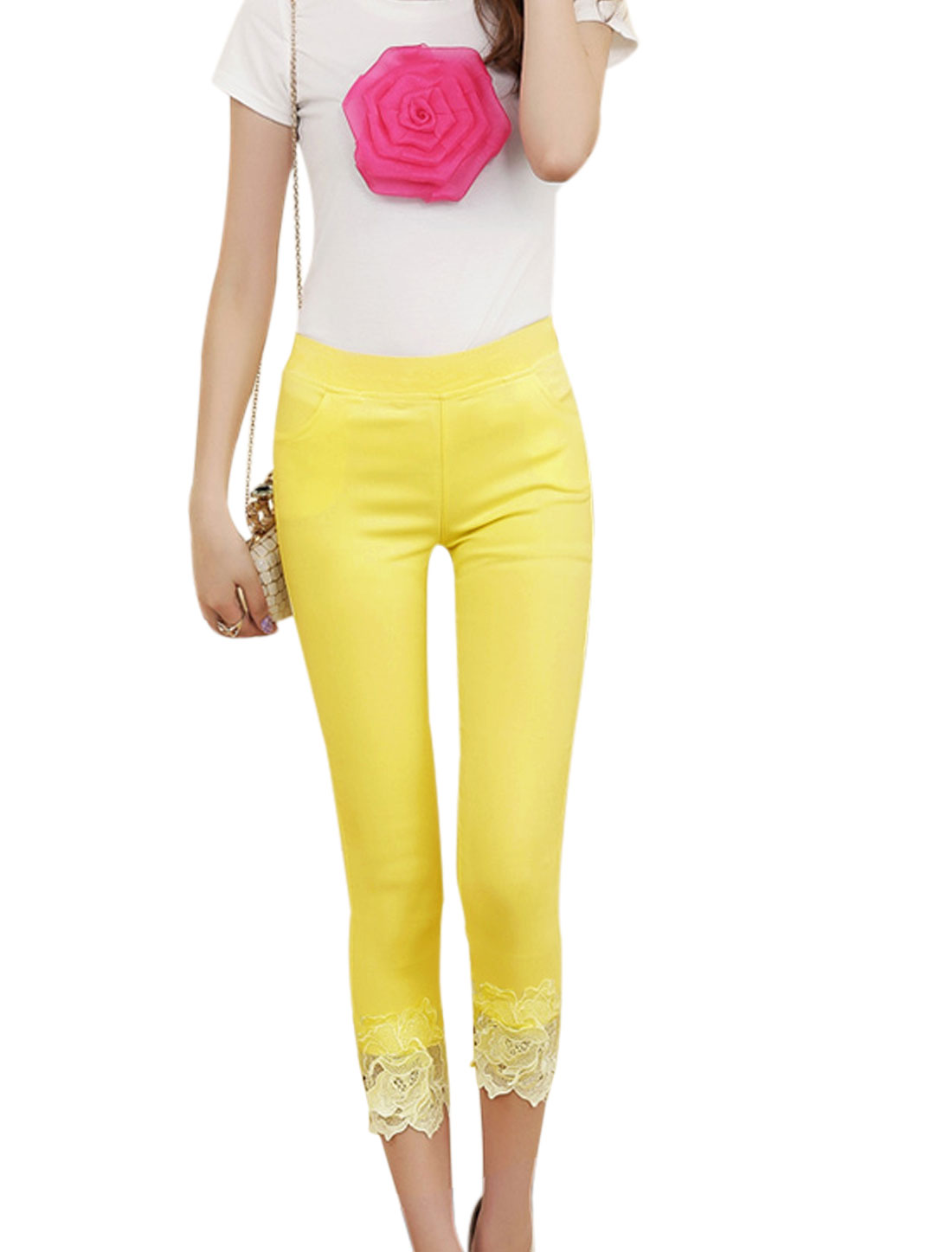 Lady Elastic Waist Slant Pockets Mid Rise Capri Trousers Yellow XS