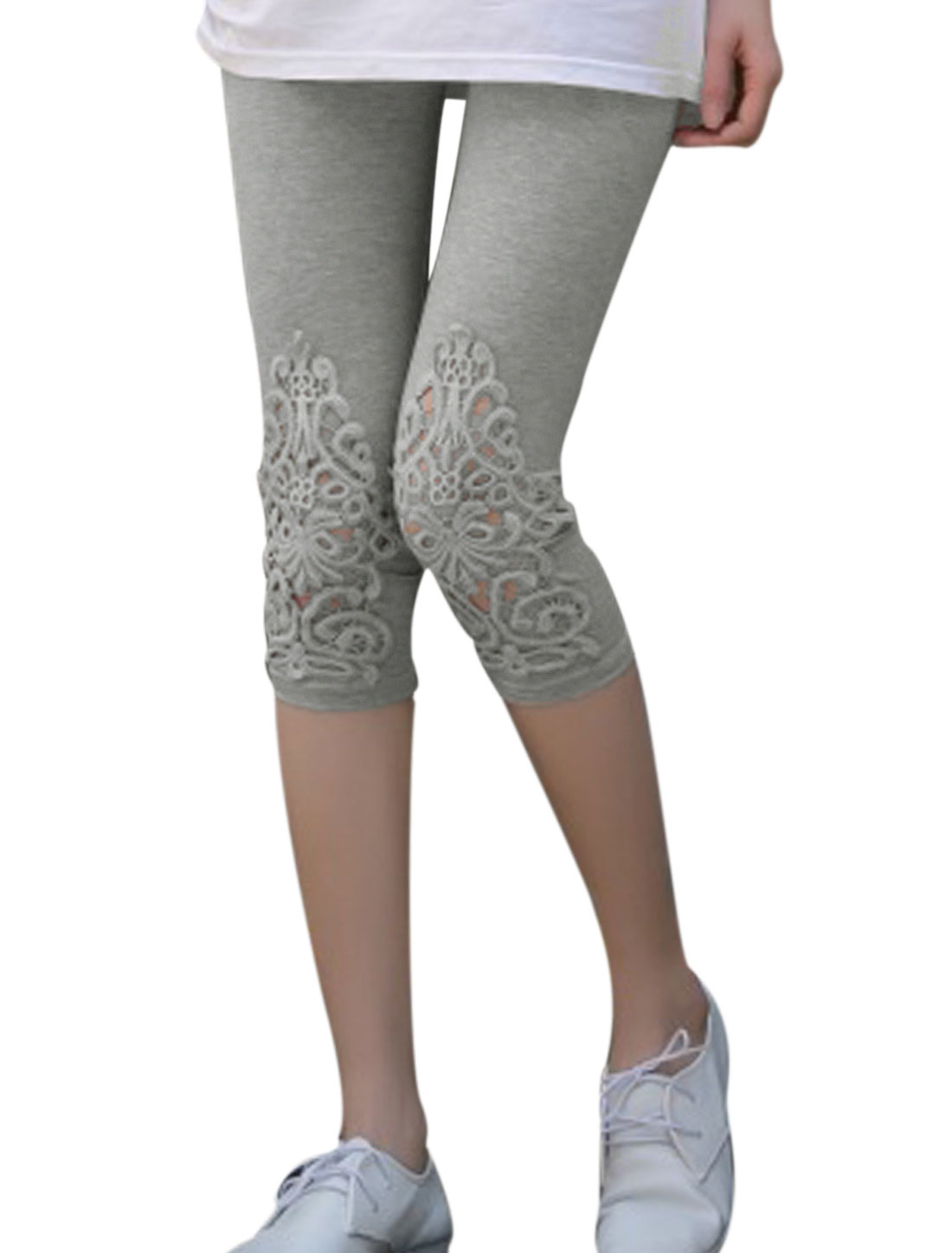 Stylish Crochet Panel Mid Rise Capri Leggings for Lady Gray XS