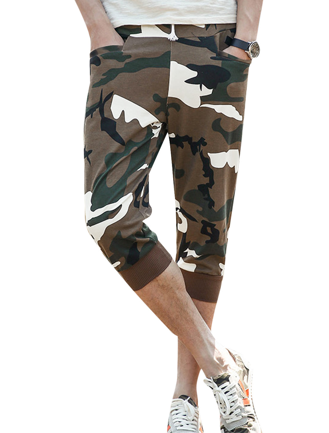 Men Camouflage Elastic Waist Double Slant Pockets Capri Pants Coffee W30