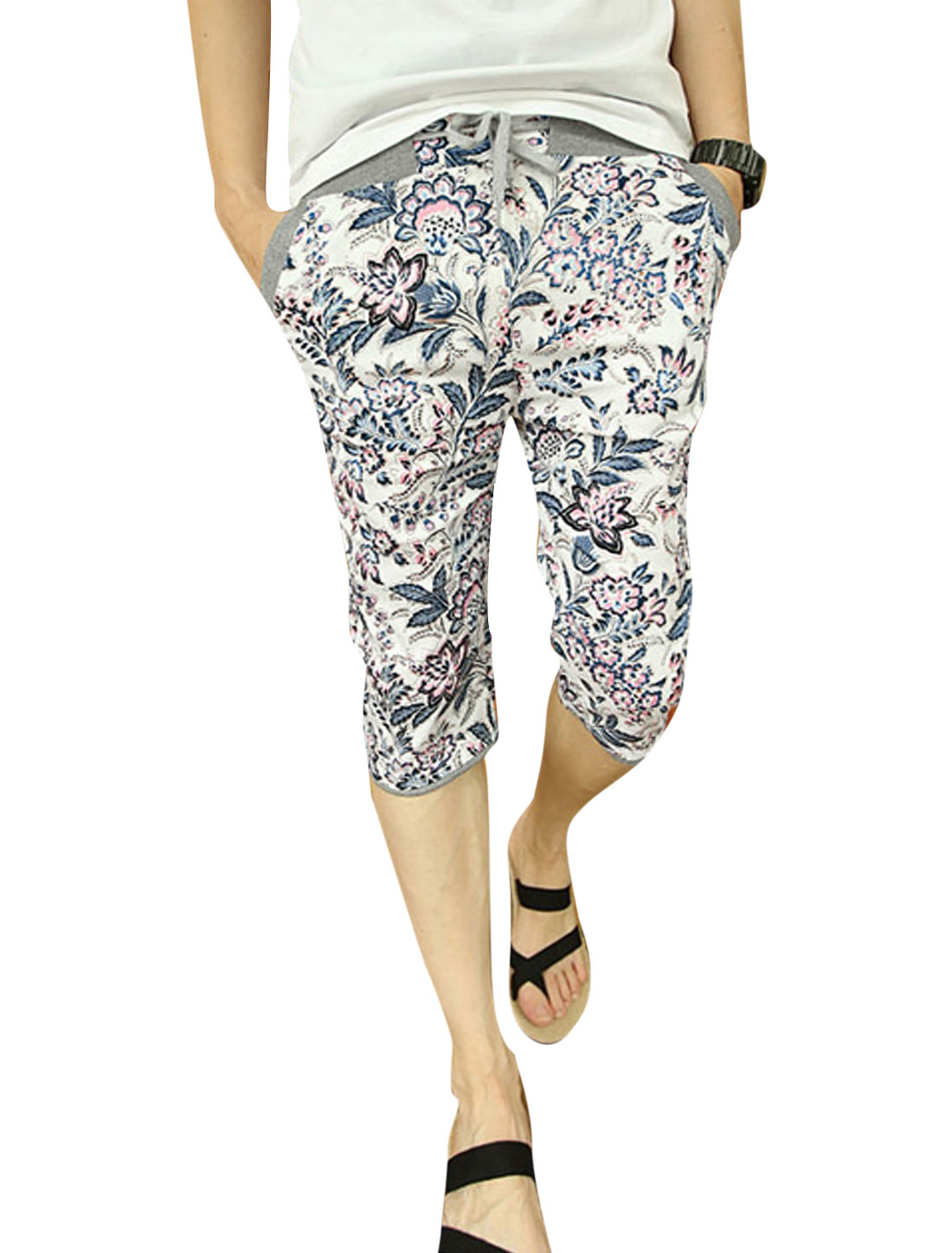 Men Floral Prints Elastic Waist Two Slant Pockets Capri Pants Multi-color W28