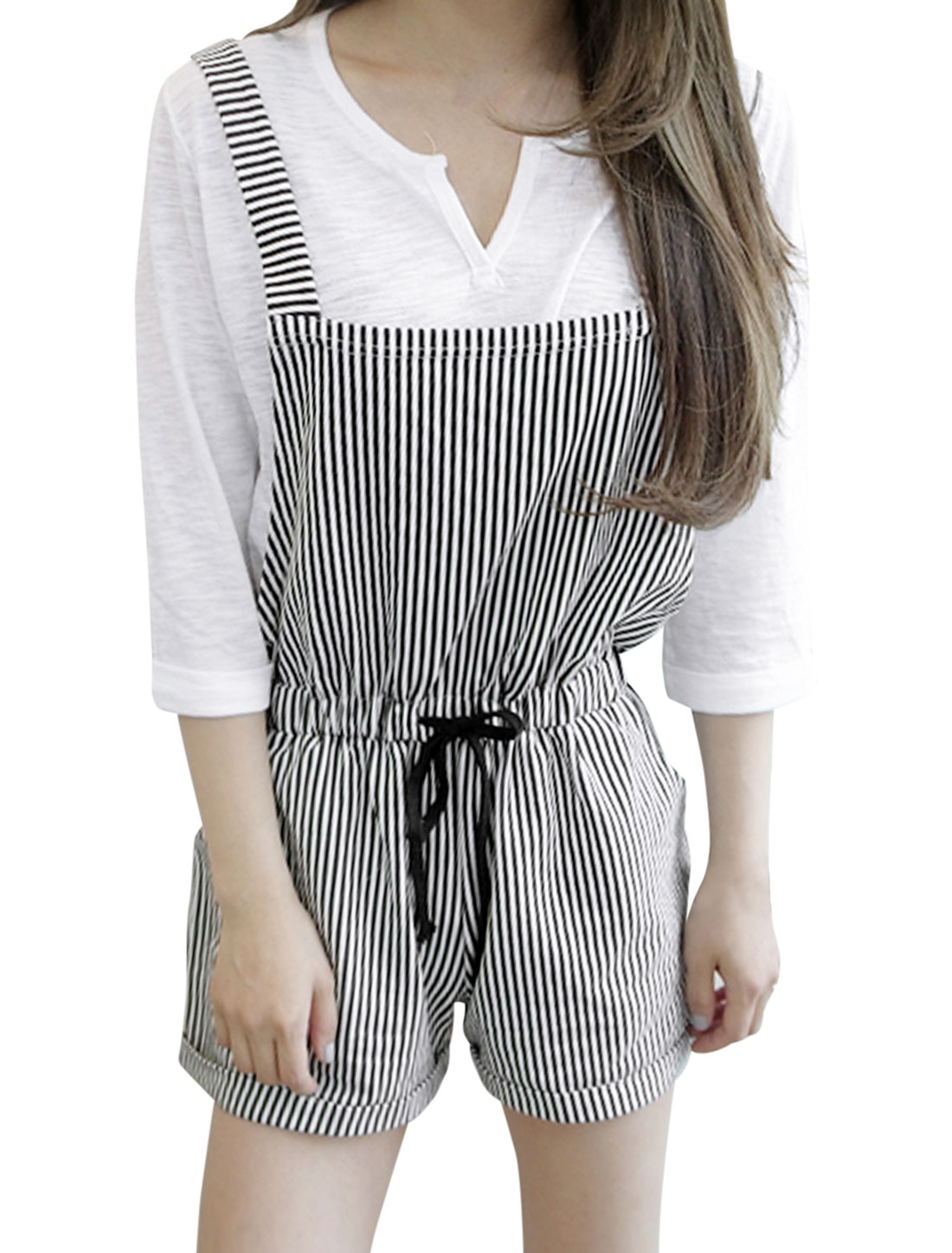 Lady Elastic Waist Roll-up Hem Slant Pockets Striped Suspender Shorts Black White XS