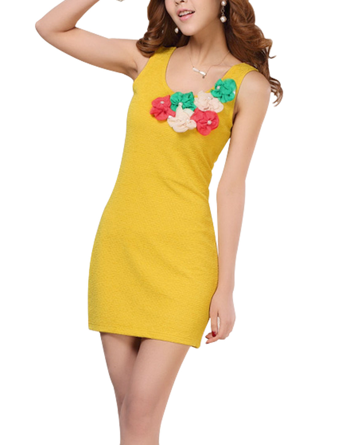 Lady Scoop Neck Flower Decor Plastic Pearl Decor Decor Dress Yellow M