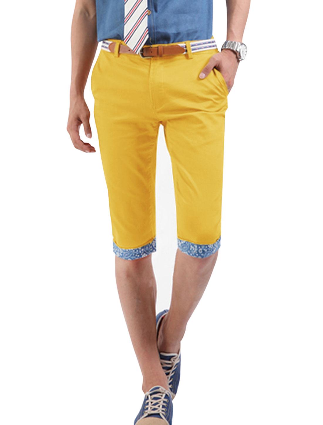 Men Slant Pockets Zip Fly Cuffed Slim Fit Half Pants Dark Yellow W30