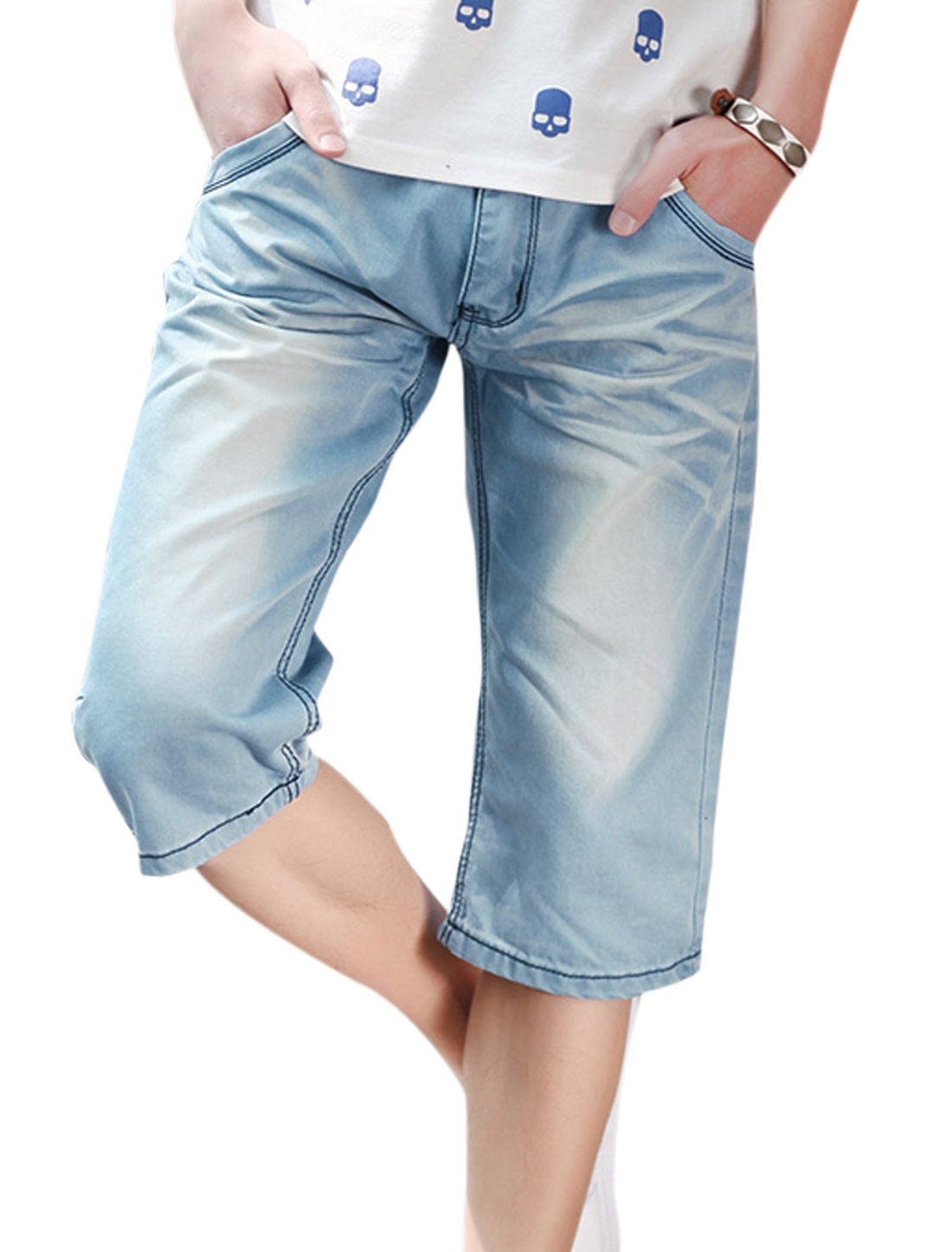 Man Zip Fly Single Button Closure Front Hip Pockets Jeans Shorts Blue W32