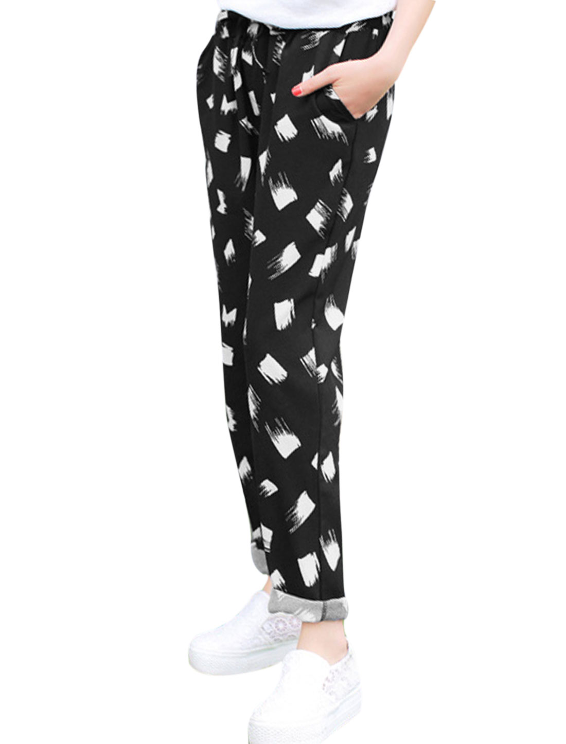 Lady Drawstring Waist Novelty Prints Cropped Pants Black XS