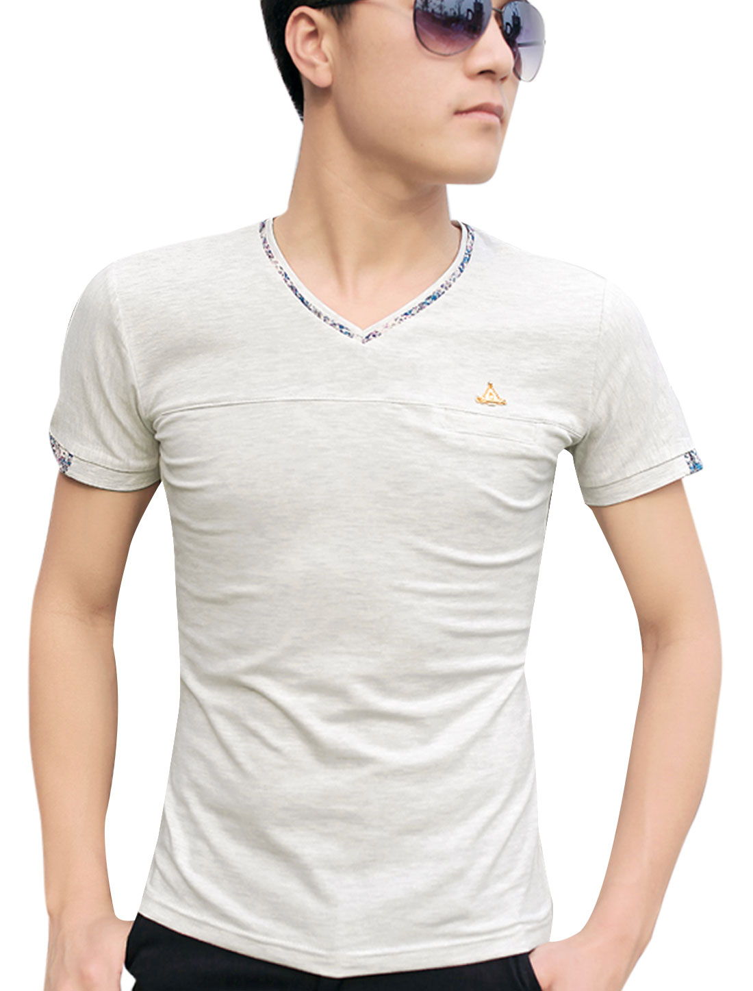 Men V Neck Short Sleeve Mock Welt Pocket T-Shirt Light Gray M