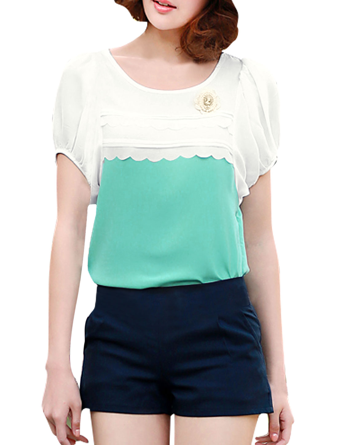 Lady Summer Scalloped Trim Front T-Shirt w Removable Brooch White Mint S