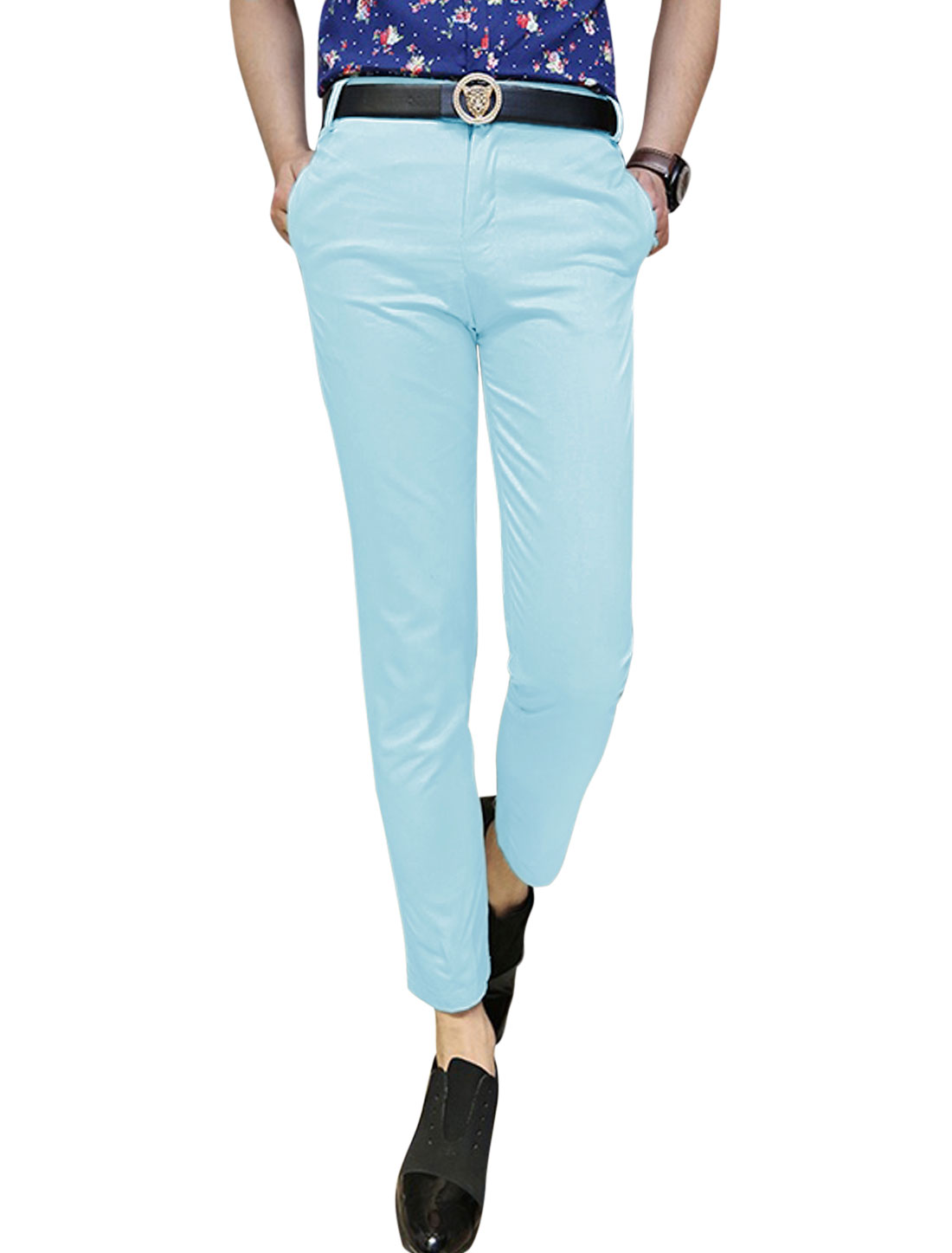 Man's Mid Rise Zip Fly Belt Loop Side Pockets Casual Cropped Pants Light Blue W30