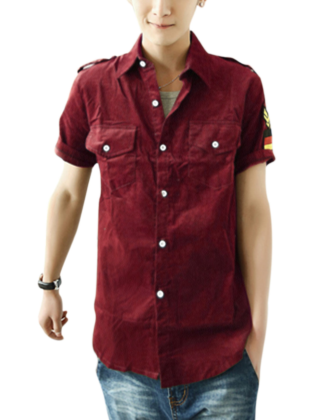 Men Leisure Short Sleeve Button-Front Epaulette Decor Shirt Burgundy M