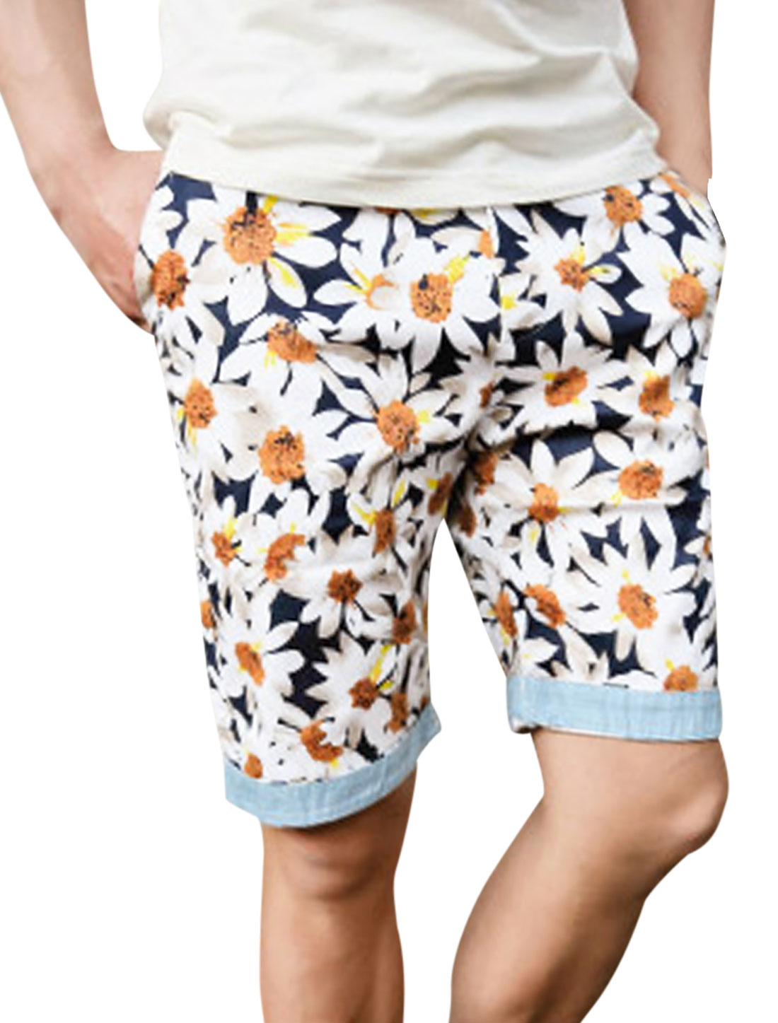 Men Belt Loop Zip Up Floral Prints Roll-Up Cuffs Shorts Multicolor W30