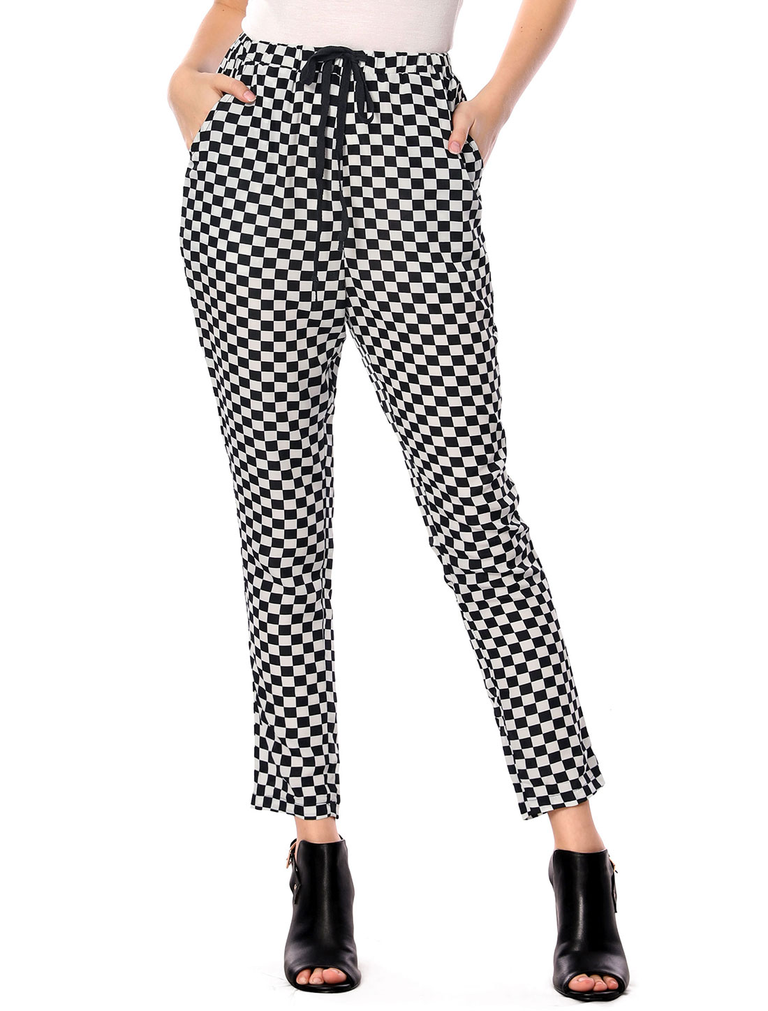 Lady Drawstring Check Pattern Slant Pockets Pants Black White L