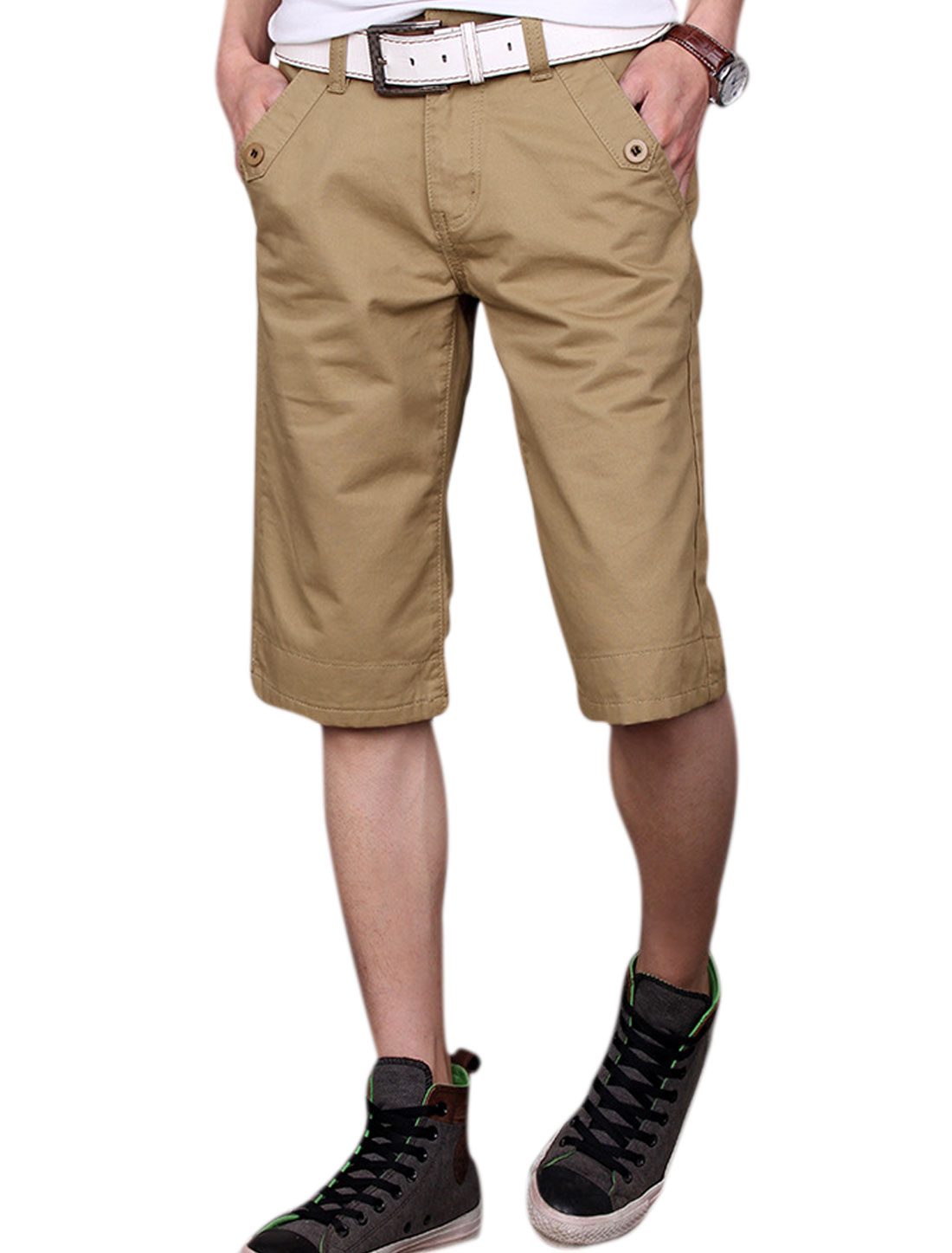 Man Hip Pockets Belt Loop Button Decor Casual Shorts Khaki W32