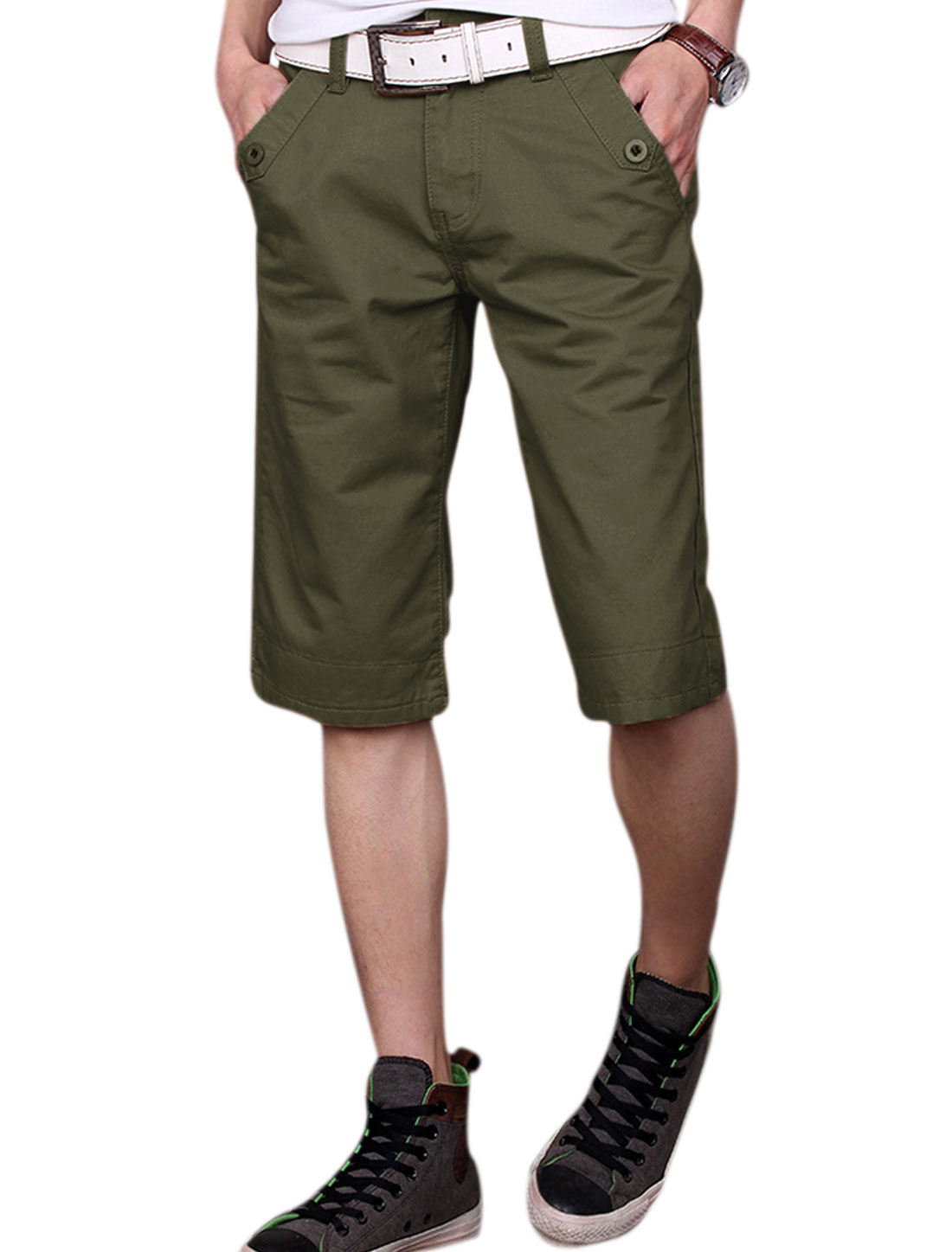 Man Belt Loop Mid Rise Hip Pockets Zip Fly Casual Shorts Army Green W32