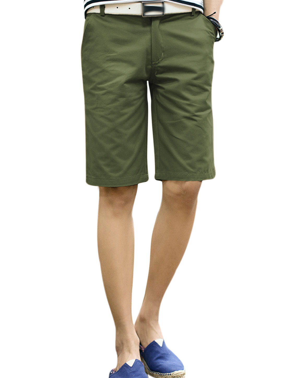 Men Belt Loop Zip Front Four Pockets Loose Fit Shorts Army Green W34