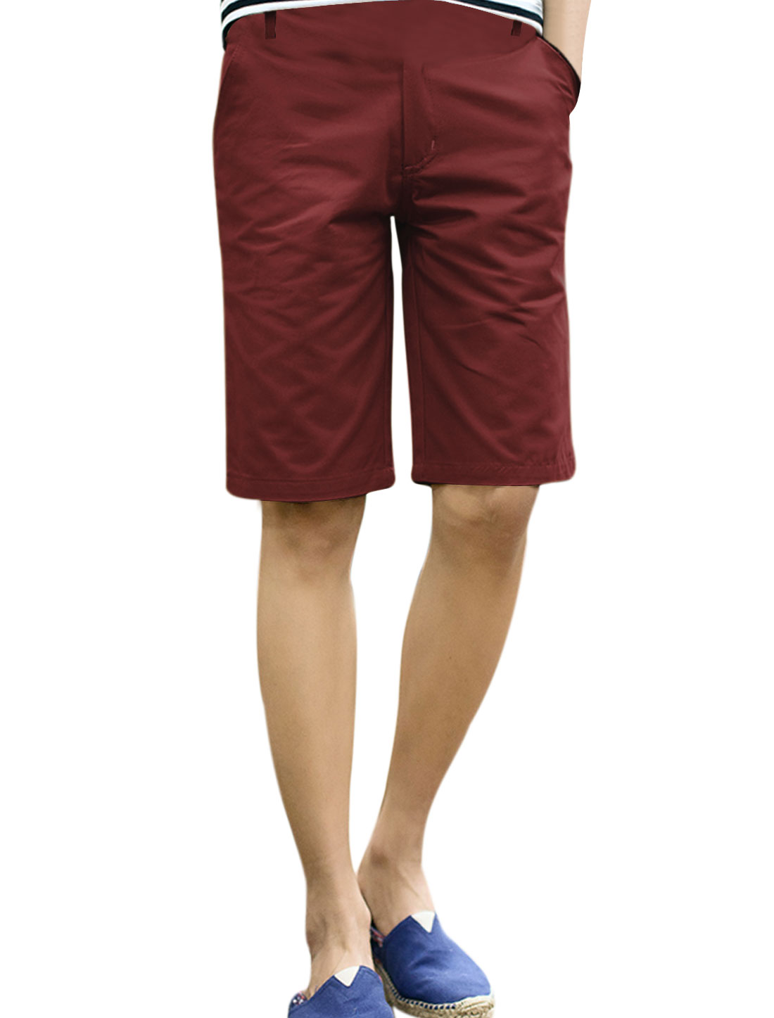 Men Belt Loop Zip Fly Fake Welt Pockets Back Loose Fit Shorts Burgundy W34