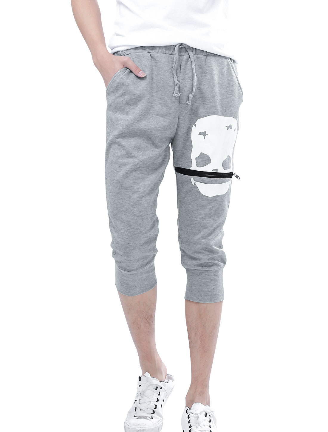 Men Drawstring Waist Skull Printed Stylish Capris Pants Light Gray W32