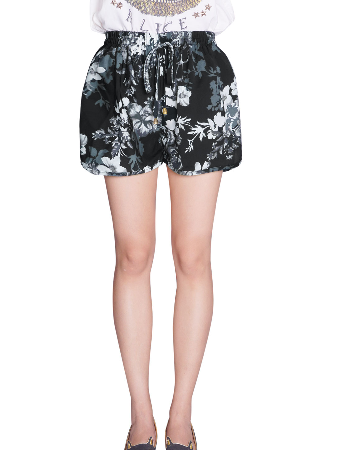 Lady Elastic Drawstring Waist Floral Prints Loose Fit Casual Shorts Black XS