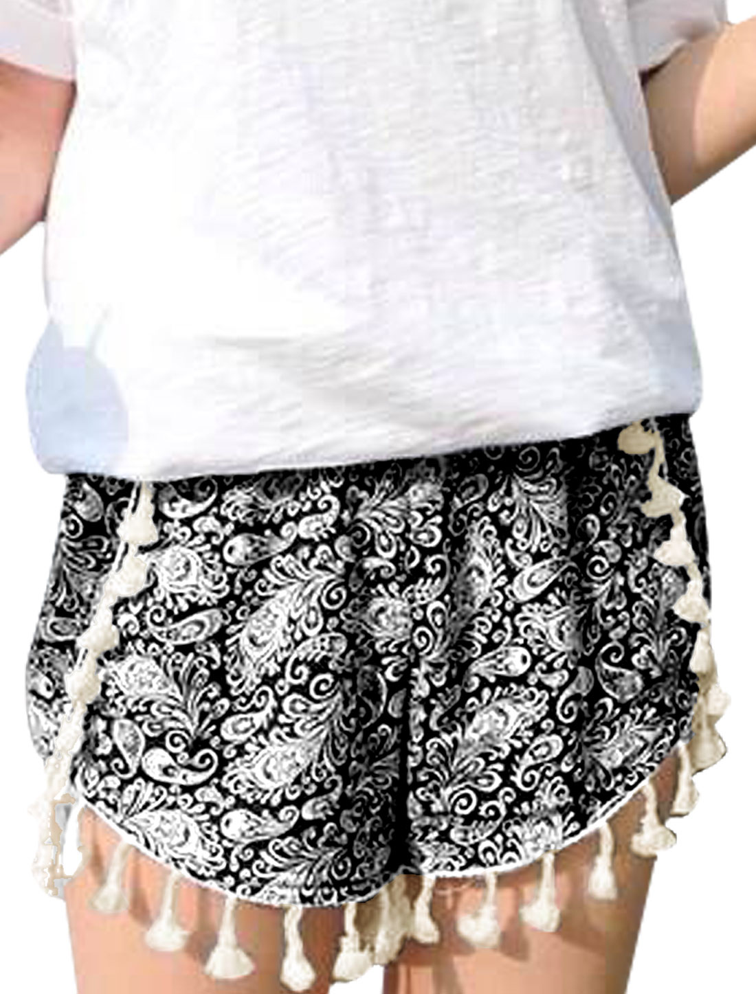 Woman's Paisley Print Elastic Waist Tassel Hem Shorts Black XS