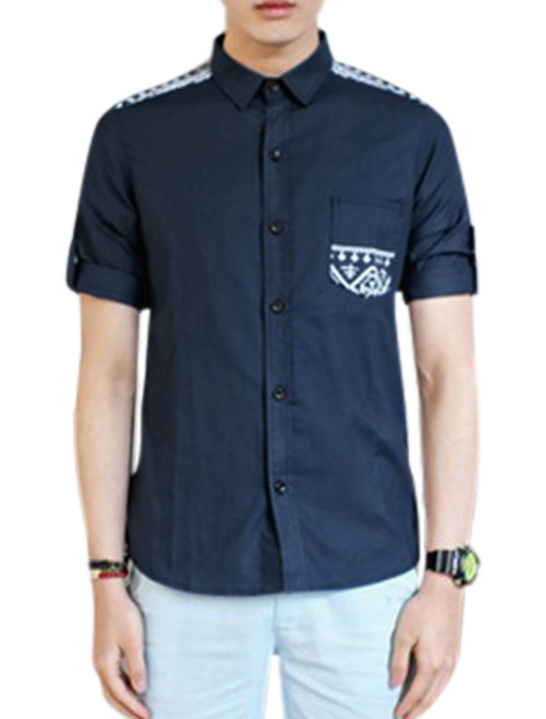 Men Geometric Prints Roll Up Cuffs Splicing Slim Top Shirt Navy Blue M