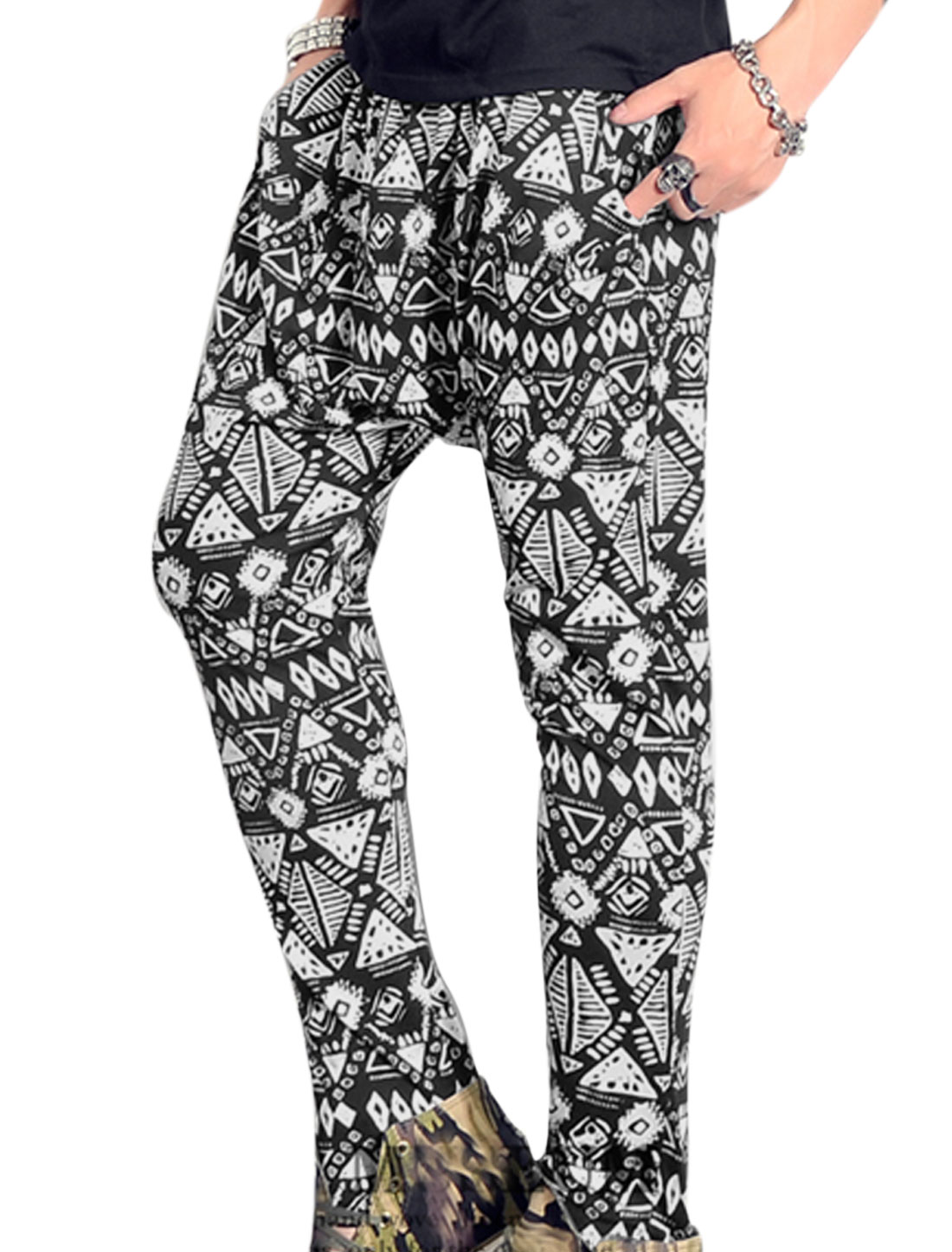 Men Elastic Drawstring Waist Novelty Prints Casual Cropped Pants White Black W28