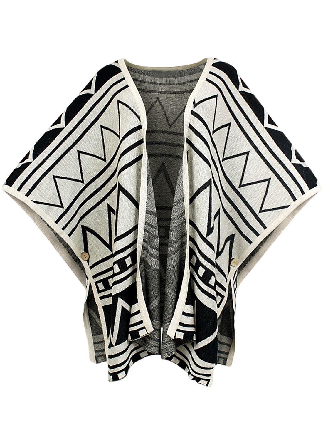 Lady Geometric Pattern Zig-Zag Design Cozy Fit Knit Cape Beige S