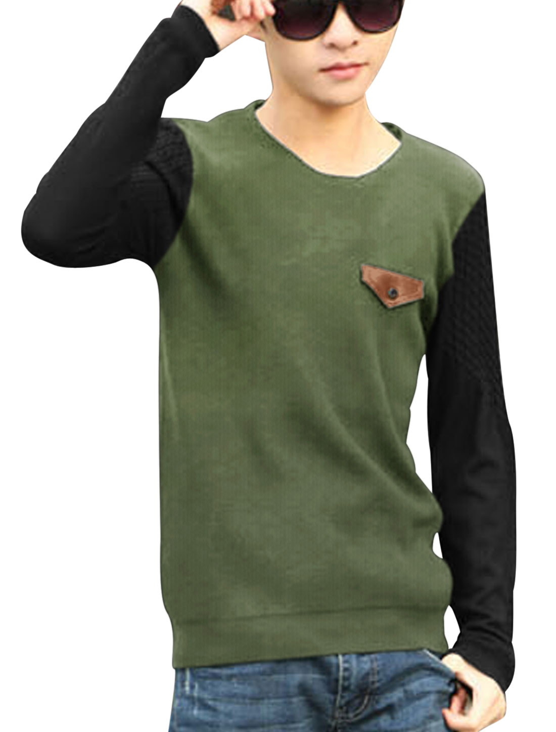 Men Contrast Color Button Decor Chest Pocket Knit Shirt Light Green S