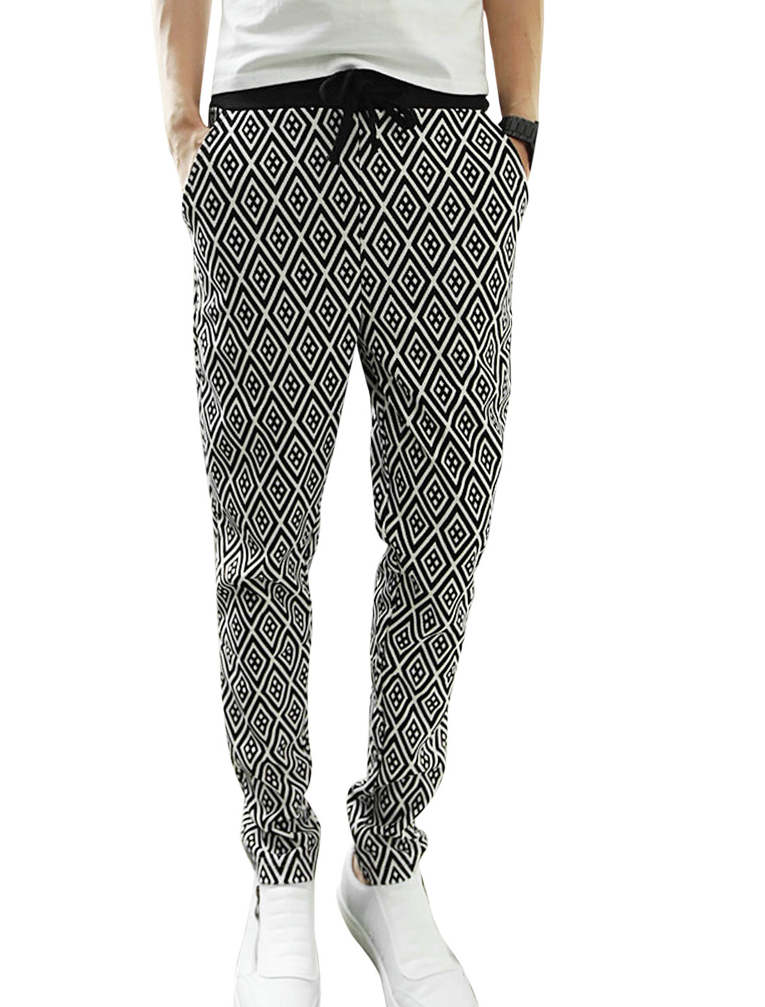 Men Elastic Ribbed Waist Argyle Pattern Textured Design Casual Pants Black White W30