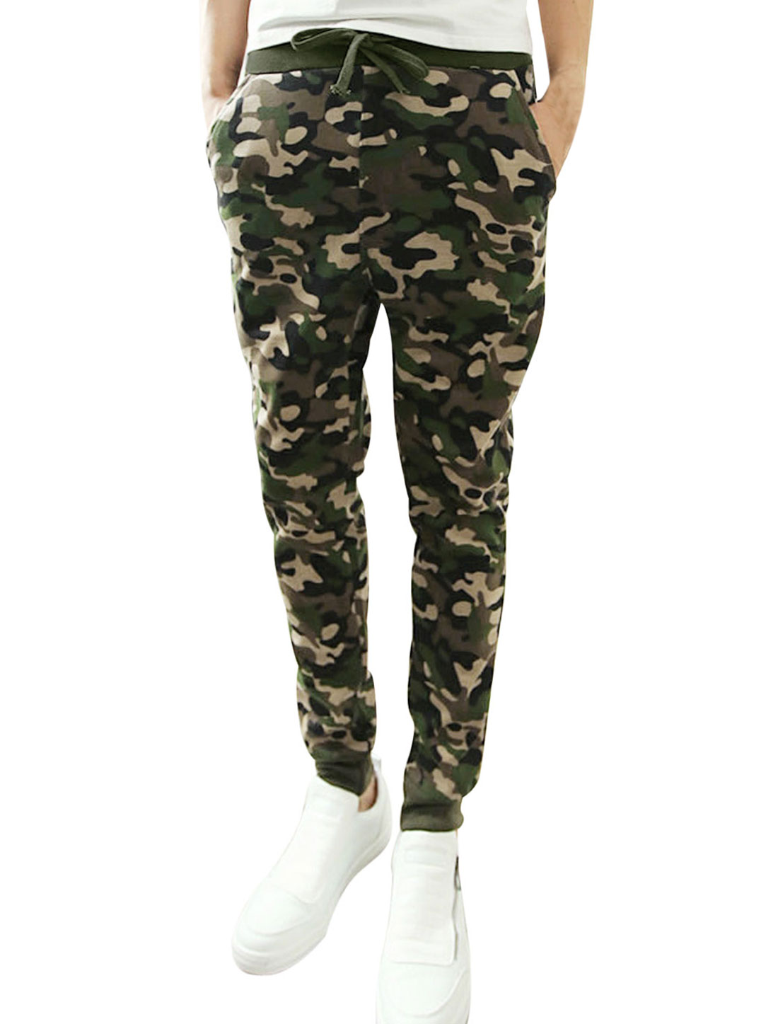 Men Drawstring Ribbed Cuffs All Over Camouflage Print Casual Pants Khaki Army Green W30