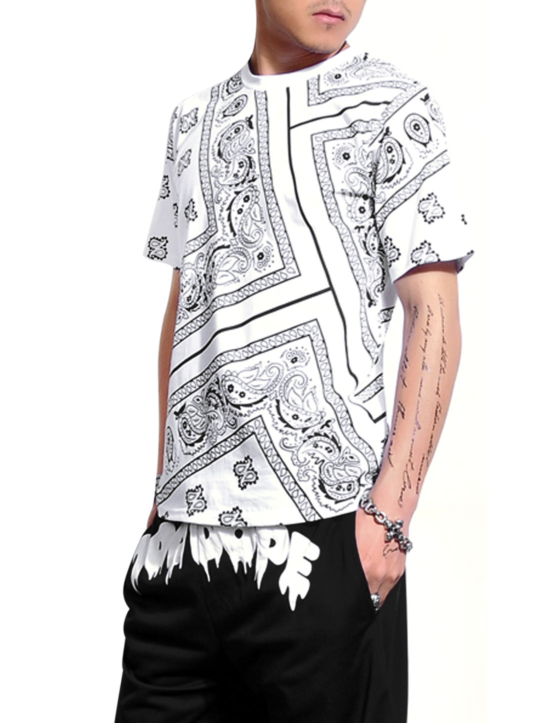 Men Short Sleeves Paisleys Print Geometric Print Fashion T-Shirt White M