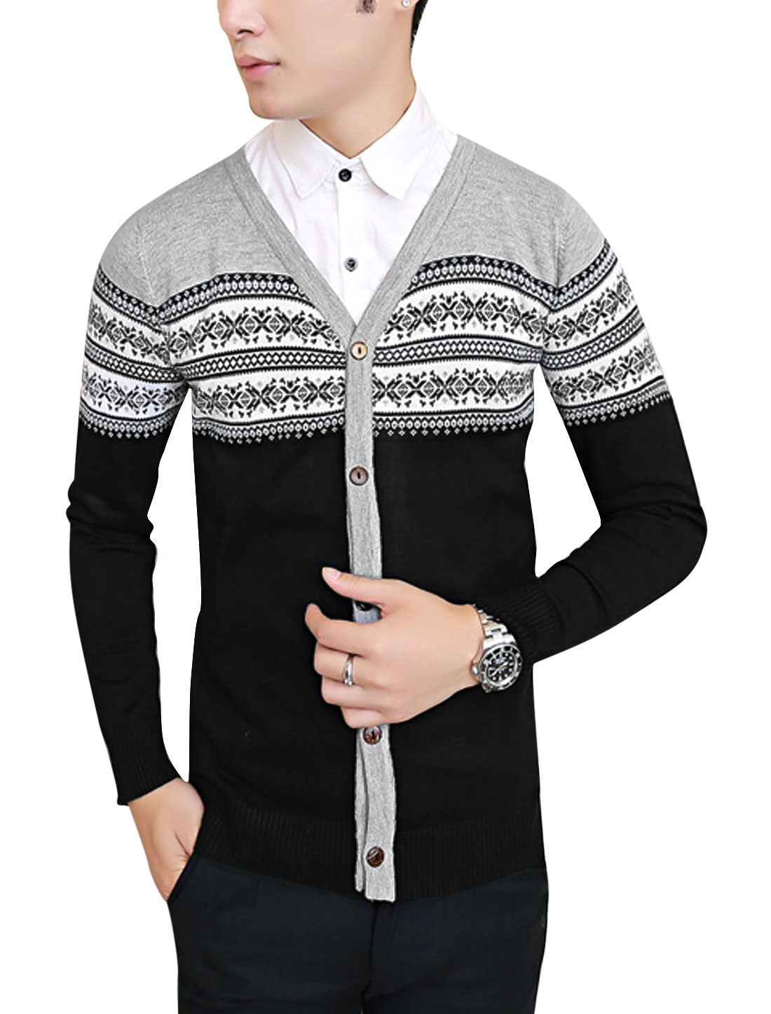 Men Contrast Color Geometric Pattern Slim Cardigan Light Gray Black S