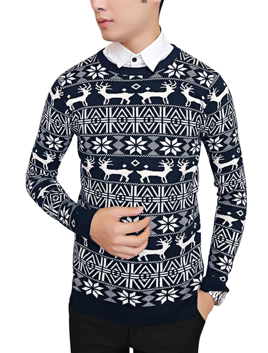 Men Round Neck Geometric Pattern Soft Casual Knit Shirt Navy Blue M