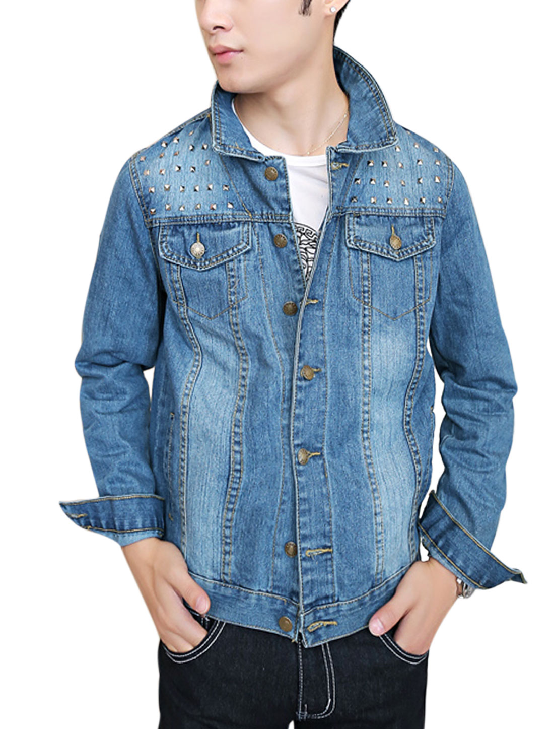 Men Point Collar Signle Breasted Studs Embellished Decor Casual Jean Jacket Light Blue M
